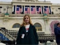 Nữ ca sĩ run rẩy khi hát quốc ca tại lễ nhậm chức của Tổng thống D. Trump