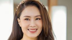 Sao Việt tuần qua: Dịch Covid-19 bùng phát, Đen Vâu khuyên fan 'từ từ hãy về nhà', Hồng Diễm mong dịch qua mau để đón Tết 'Trâu vàng'