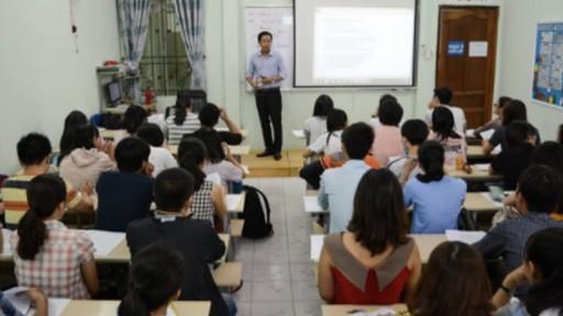 Thi vào 10 ở Hà Nội: Phụ huynh đua nhau tìm thầy ôn luyện môn Lịch sử
