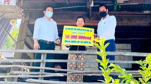 Sau nhiều lần 'gián đoạn' vì Covid-19, Hoài Linh đã trao hơn 2,8 tỷ đồng đến người dân Quảng Nam