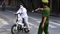 Hà Nội: Gần 300 người bị xử phạt vi phạm, hơn 13.000 phương tiện phải quay đầu