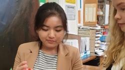 Nữ sinh 16 tuổi từ chối 5 trường đại học ở Vương Quốc Anh