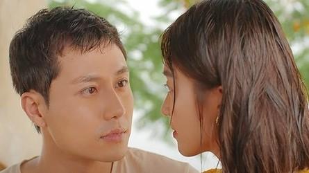 11 tháng 5 ngày tập 24: Liệu Đăng có tỏ tình với Nhi dưới mưa?