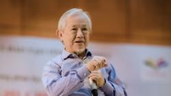 GS. Phan Văn Trường: 'Giáo dục nên tạo ra những con người có khả năng chỉ huy robot, sáng tạo nhanh hơn trí thông minh nhân tạo'